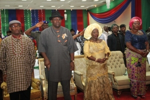From L – R: Deputy Governor of Bayelsa State, Rear Admiral John Jonah (Rtd), Governor Seriake Dickson of Bayelsa State, his amiable wife,Mrs Rachael Dickson and the Commissioner of Women Affairs, Mrs. Sarafina Otazi,  during the Flag-off of the Bayelsa State  Women Empowerment Programme, at the Banquet Hall, Government House, Yenagoa.